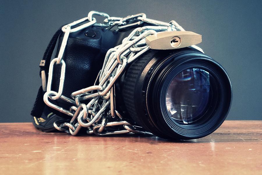 The prisoner's dilemma in photographer's terms (Image: © Maartje van Caspel)